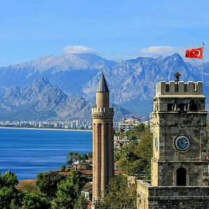 Saat kulesi ve Yivli minare - ANTALYA