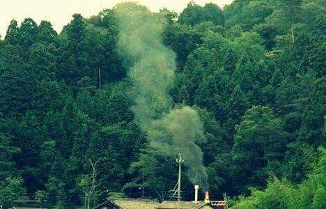 陶の里山風景と伊賀焼伝統産業会館