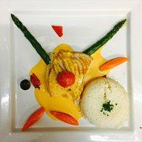 Plats du jour, spaghettis à la sicilienne et filet de cabillaud royal à la crème de chorizo
