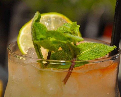 48_Cocktail_Club_Mojito_top