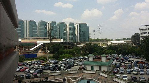 View of Subang Parade Shopping Centre
