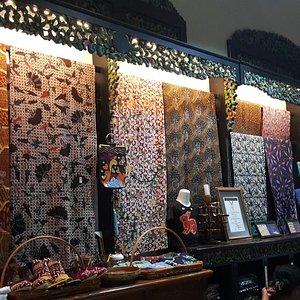 Display Batik