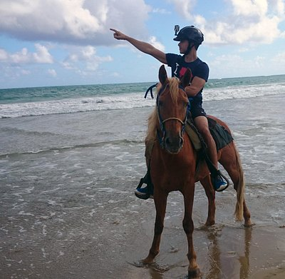 Horseback riding in Uvero Alto beach