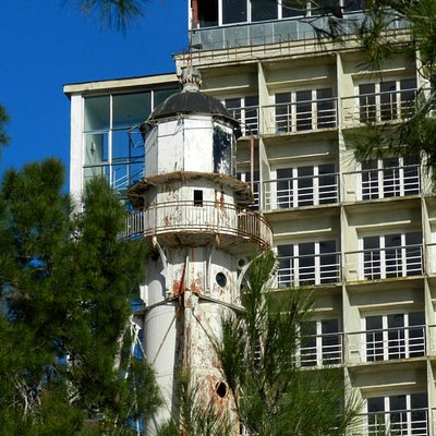 Старый Пицундинский маяк.