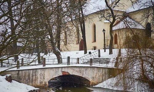 церковь и мостик