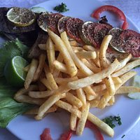Grilled local fish (Thof)