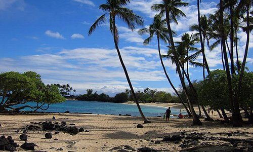 postcard perfect beach at the end of a rough road north of Kona airport