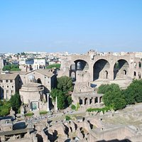 From Palatine Hill, the size is evident here.