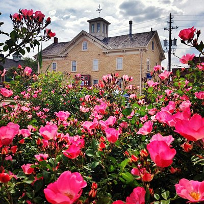 Visit the French Heritage Museum at the beautiful historic Stone Barn in downtown Kankakee.