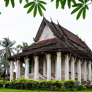 Vat Muang Kang - 19th century temple.  History-buffs will appreciate the blend of European, Siam