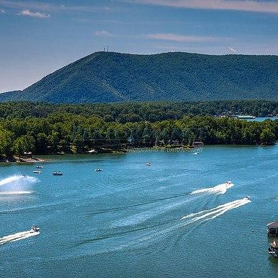 Boat activity on Smith Mountain Lake