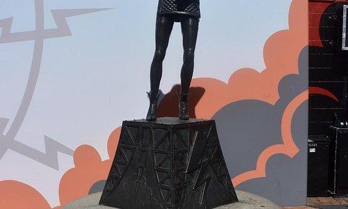 Riff Raff Statue
