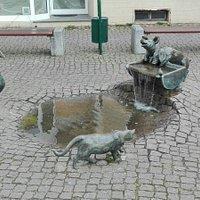 Brunnen vor dem Wallgebäude