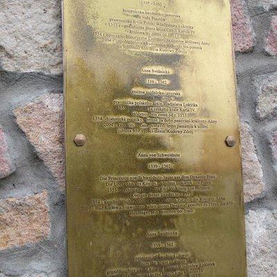 Tablica na Pomniku Księżniczki Anny Świdnickiej