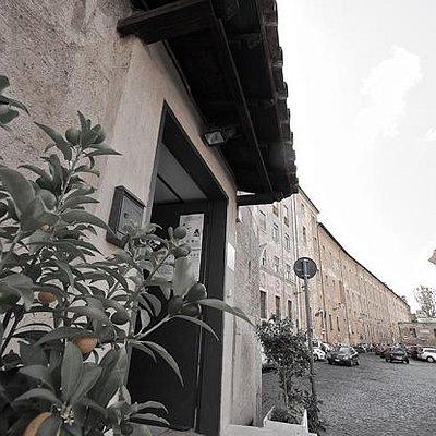 Ingresso in Via di San Michele 12