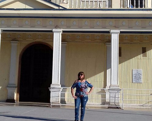 Frontis de la Iglesia y lugar donde se rinde homenaje a la Virgen con bailes típicos nortinos