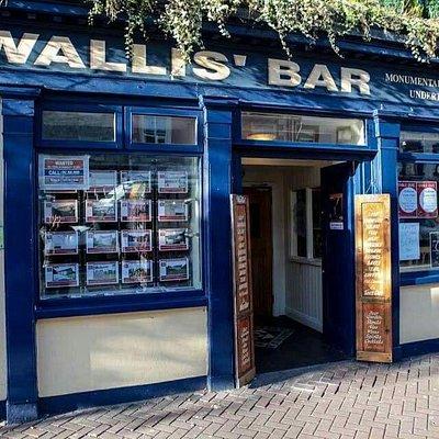Wallis Bar