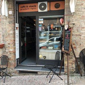 Fronte del Caffè Raffaello