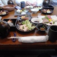 最初に出された田楽御膳の一部、あとから天ぷら、汁物等有り