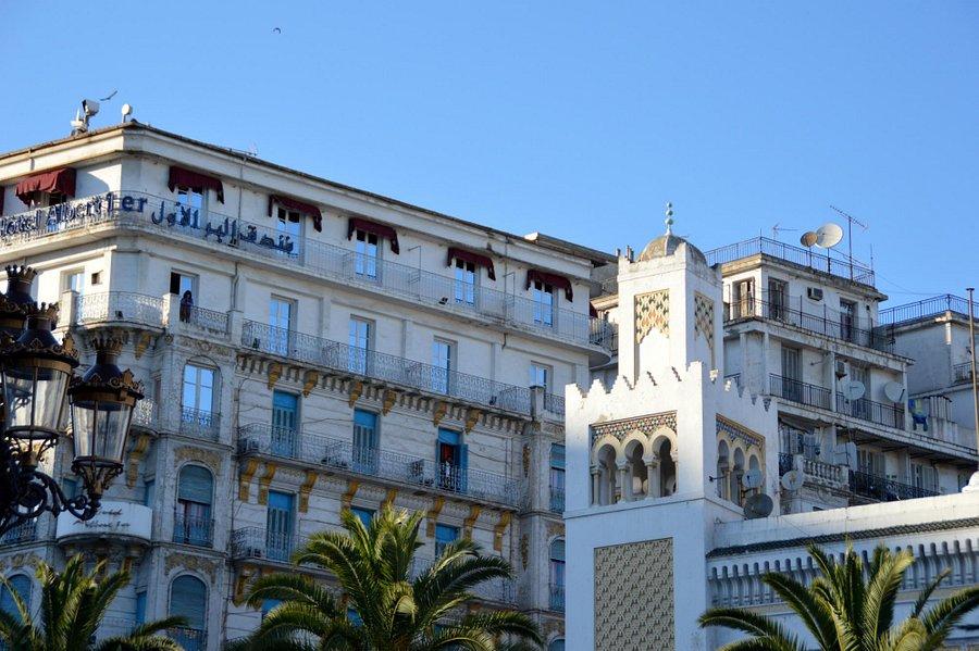 Dating femei in Alger