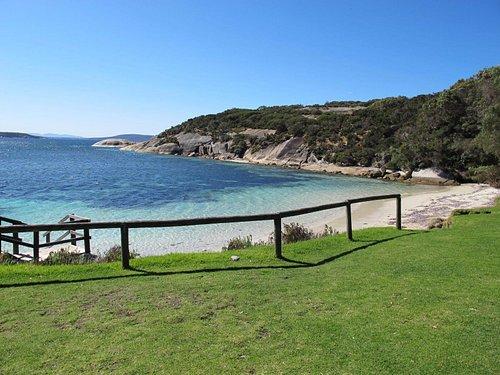 Frenchman Bay beach picnic area