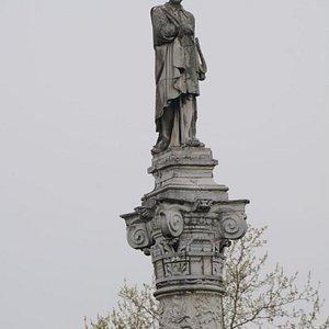 Ferrara-Statua di Ariosto