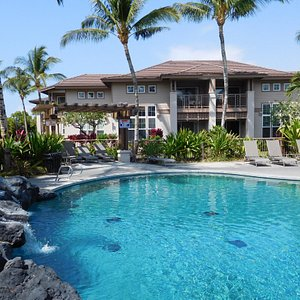 Gorgeous Unit in Perfect Spot by Pool/Waterfall