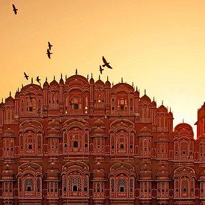 Het Hawa Mahal paleis in Jaipur is een van de merkwaardigste voorbeelden van de post-mogol-bouwk