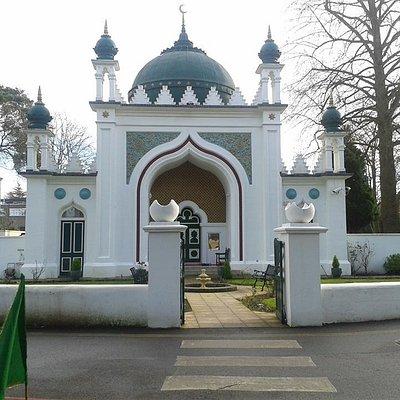 Shah Jahan Mosque, Woking