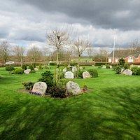 Urnekirkegården, set fra sydøst