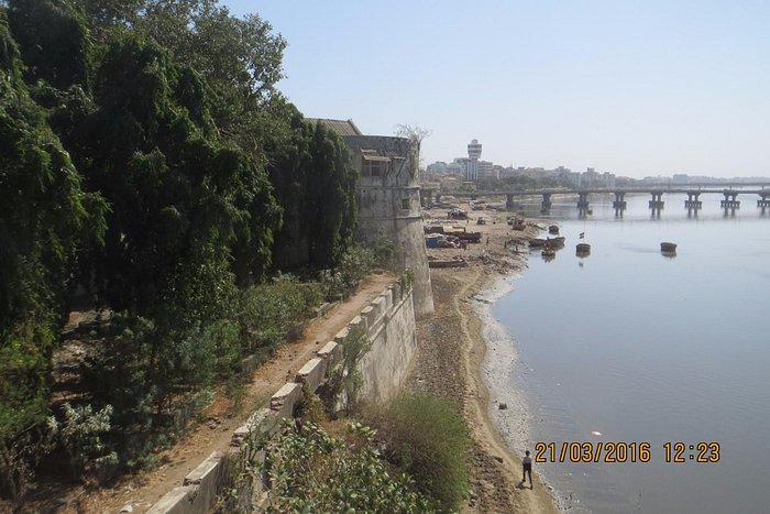 Вид на форт с моста.