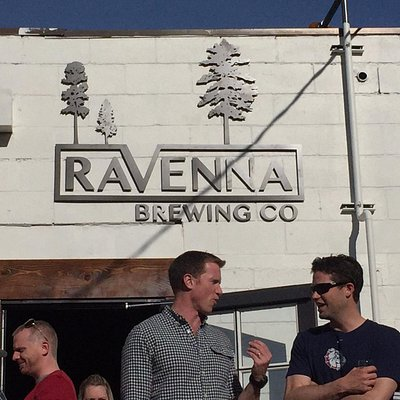 Brew mark pays homage to nearby Ravenna Park and ravine.