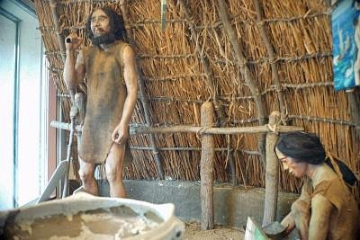 境内にある出土品陳列館の古代人