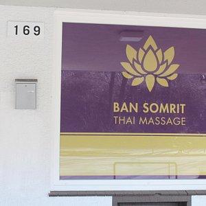 Ban Somrit Thai Massage Schaufenster