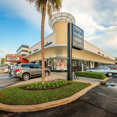 River Oaks Shopping Center Property
