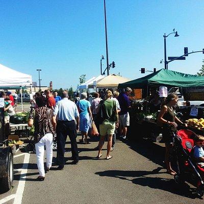 Farmer's Market, 3rd & Leavenworth streets intersection