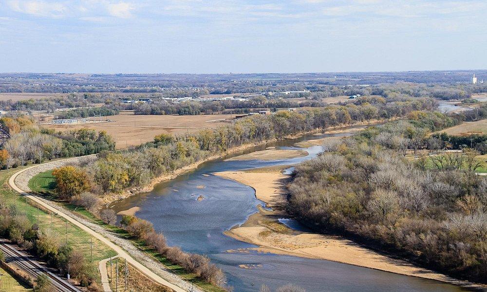 Kansas River traverses the eastern edge of Manhattan, KS