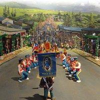 """Figuras que representan los bailes """"chinos"""" que se realizan en la Provincia."""