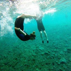 settling in underwater