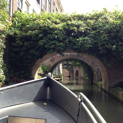 Explore the most beautiful canals of the world at Utrecht! Lovely mix of history, terraces & nat