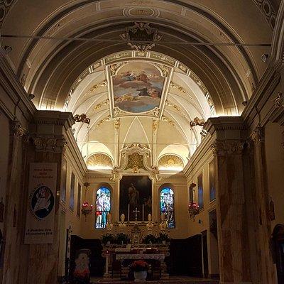 Interno del Santuario San Girolamo Emiliani