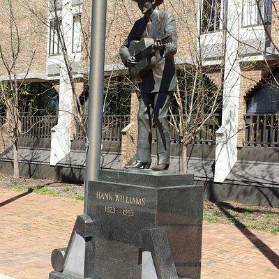 Hank Williams Statue
