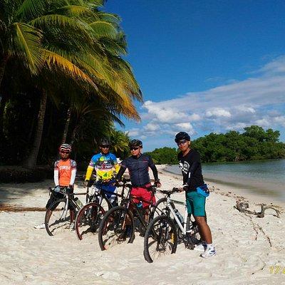 Pantai Walakiri -  bersepeda bersama Sumba Timur Bike Community