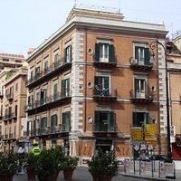 via Roma - angolo via Cavour