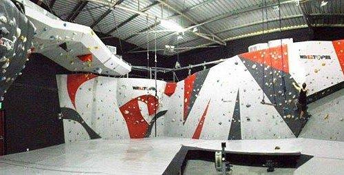 Boulder walls in Rock Republic Dubai
