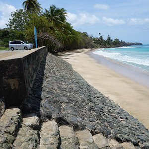 Steps From Road To Beach
