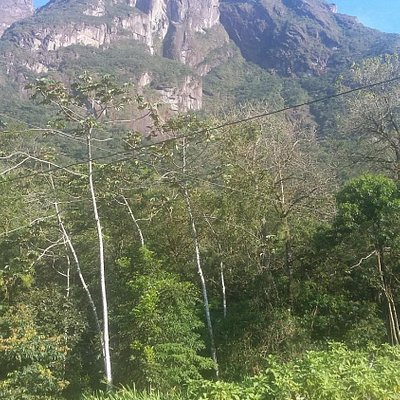 vista do complexo de montanhas do marumbi visto da estacao de trem do marumbi