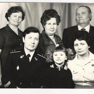 Фотография сделана в Советске. Горбунов В.П. Горбунова Л.А. Горбунова Назарова В.П.  мичман Горб