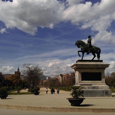 Monument al general Prim, март 2016 года...