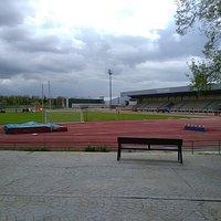 Campos de entrenamiento alrededor del  estadio y pista de atletismo.